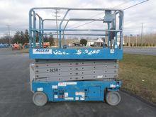 2008 GENIE GS3246 Scissor lifts