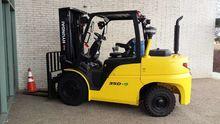 2016 Hyundai 35D-9 Forklifts