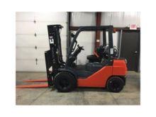 2017 TOYOTA 8FGU25 Forklifts