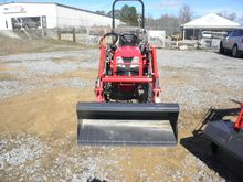 2016 BRANSON 2400 Compact tract