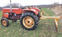 Allis-Chalmers 5040 Tractors