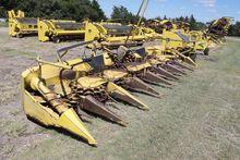 1999 John Deere 688 Harvesters