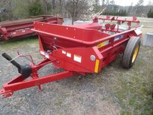 NEW HOLLAND 145 Manure Spreader