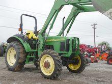 2002 John Deere 5220 Tractors