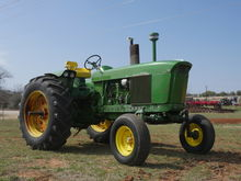 1971 John Deere 3020 Tractors