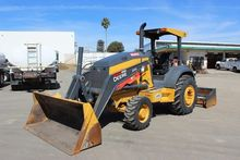 2015 DEERE 210L Skip loaders