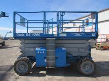 Used 2002 GENIE GS43