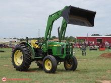 2001 John Deere 5105 Tractors