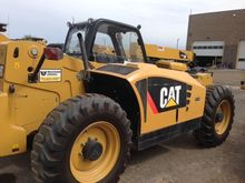 2011 CAT TH407 Material handler