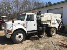 1999 TYMCO 600 Sweeper