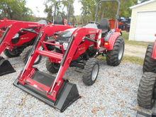 2017 MAHINDRA 1538 HST Tractors