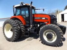 2011 VERSATILE 305 Tractors