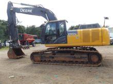 2013 DEERE 290G LC Excavators