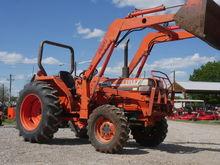 1989 Kubota L3250 Tractors