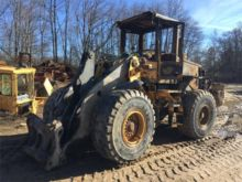 VOLVO L90E Loaders