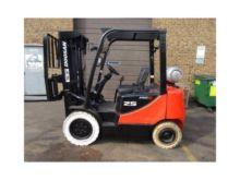2012 DOOSAN GP25S-5 Forklifts