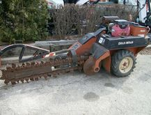 2004 Ditch Witch 1820 Trenchers