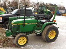 JOHN DEERE 770 Tractors