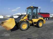 2014 John Deere 324J Loaders