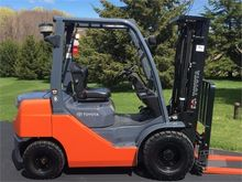 2015 TOYOTA 8FDU25 Forklifts