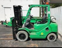 2010 KOMATSU FG25T-16 Forklifts