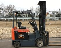 2004 TOYOTA 7FBCU30 Forklifts