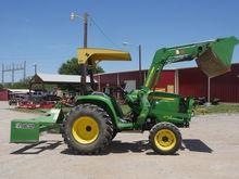 2011 John Deere 3032E Tractors