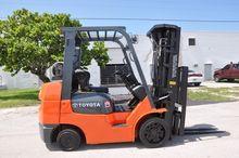 TOYOTA 7FGCU30 Forklifts