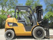 2012 CATERPILLAR P8000 Forklift