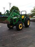 2005 JOHN DEERE 5525 Tractors
