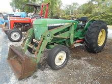 JOHN DEERE 2640 Tractors