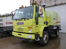 2003 FREIGHTLINER FC80 Sweeper