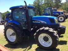NEW HOLLAND TS115A Tractors