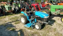 New Holland TC21D Compact tract