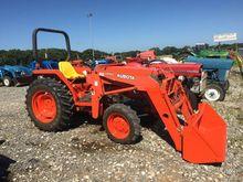 Kubota L2900 Tractors