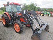 2000 KUBOTA M6800SDC Tractors