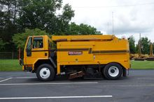 2000 TYMCO FHD Sweeper