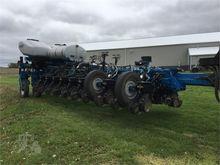 2014 KINZE 4900 Planters
