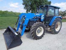 1997 NEW HOLLAND 7635 Tractors