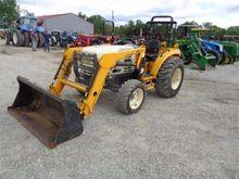 2004 CUB CADET 8354 Tractors