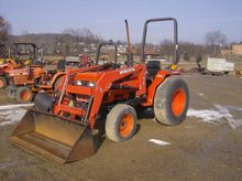2006 Kioti LK3054XS Compact tra