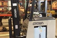 2005 Crown RC3020-30 Forklifts
