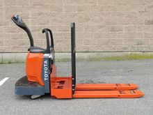 2010 Toyota 8HBE30 Forklifts
