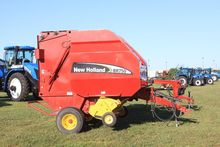 2005 New Holland BR750 Hay equi