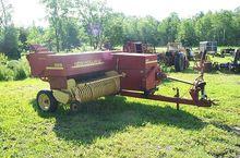 New Holland 565 Hay equipment