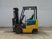 2014 KOMATSU FB25SHU Forklifts