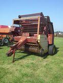 New Holland 851 Round Baler Hay