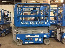 2017 Genie GS-1930 Work platfor