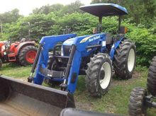 New Holland TN70A Compact tract
