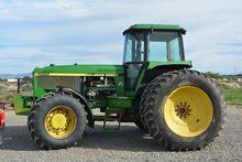1993 John Deere 4560 Tractors